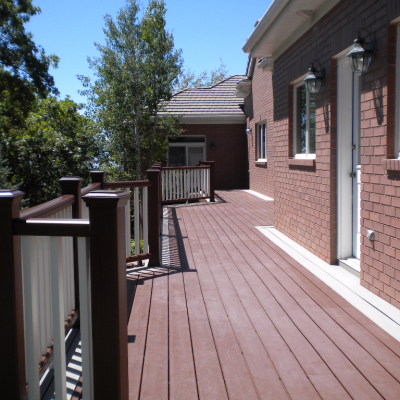 Deck Construction Contractor